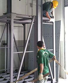 GOODS HOIST FOR HEAVY PRODUCTS LIFTING